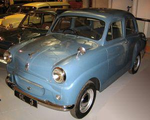Vår bil. Den jeg brukte til å hente purre. Vår hadde den sorte originalfargen.