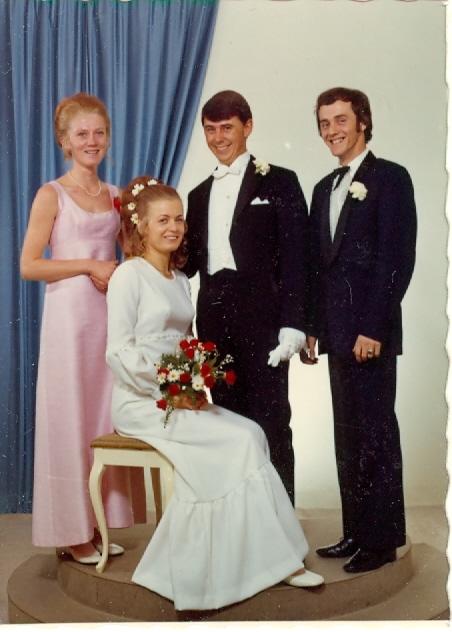 Inger Johanne og Terje med forlovere Elsie og Svend Kristian i 1972