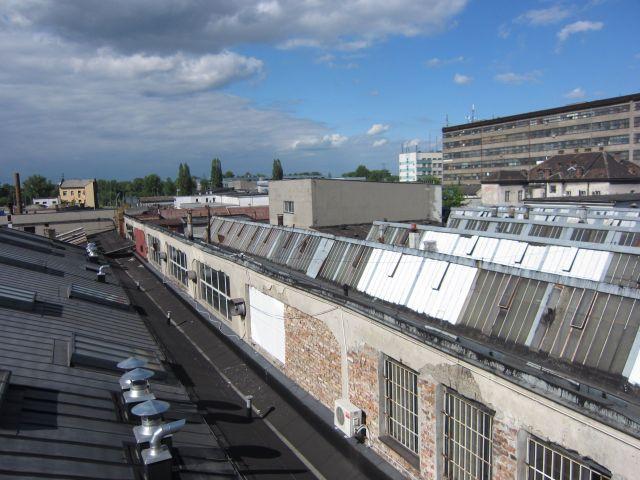 Brakkene på baksiden av fabrikken. Schindlers del av konsentrasjonsleiren.