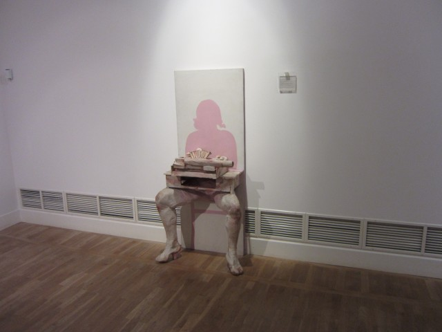 Moderne kunst i annen etasje.
