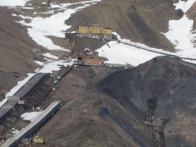 Pyramiden på Svalbard: Den siste gruva i Pyramiden oppe i fjellsiden (foto Terje Rønning).