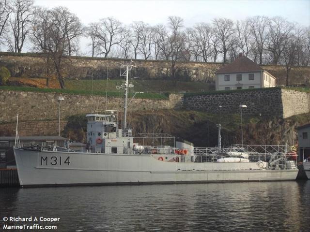 Minesveiper KNM Alta søsterskip til Vosso bygget 1953 (3)