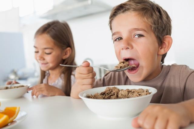 2019 08 01 - barn som spiser